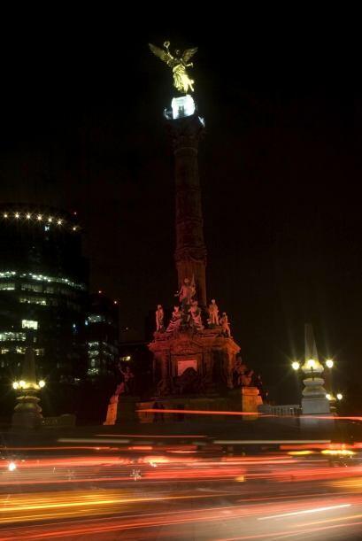 El Ángel, que se ubica en la emblemática avenida Reforma (centro financi...