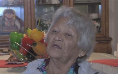 Abuela logra pagar sus deudas gracias al apoyo de la comunidad
