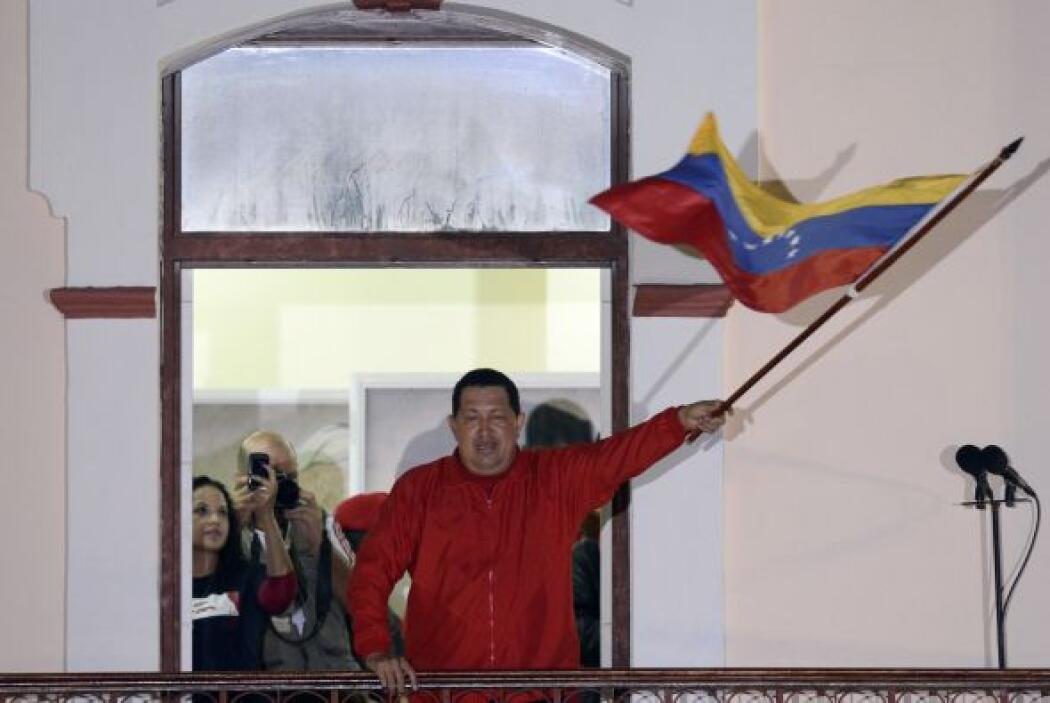 """Según Chávez, su nuevo gobierno comienza """"hoy mismo"""", al prometer a las..."""