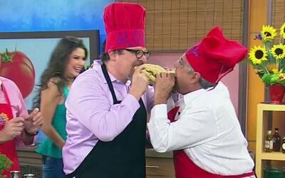 Chef Pepin y Jon Fevreau hicieron receta de un sandwich cubano