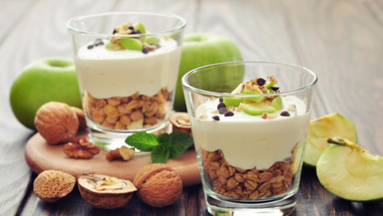 Un preferido de brunch, parfair de yogurt y granola