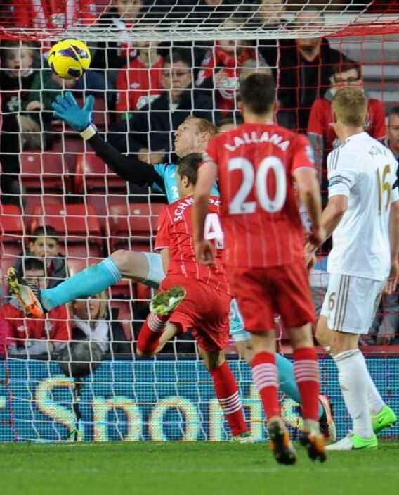 El Sunderland se adelantó ante el Swansea con este gol de Morgan Schneid...