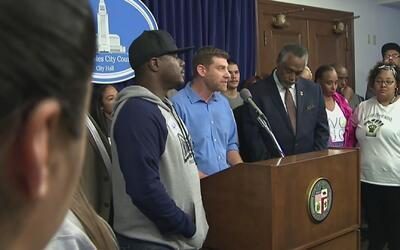 Concejo de Los Ángeles aprueba iniciativa para eliminar de solicitudes d...