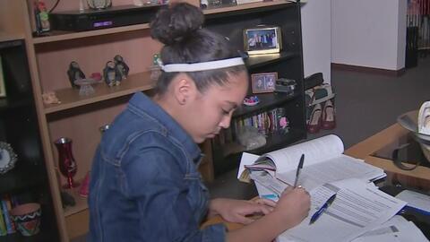 Estudiantes hispanos ponen el ejemplo en educación