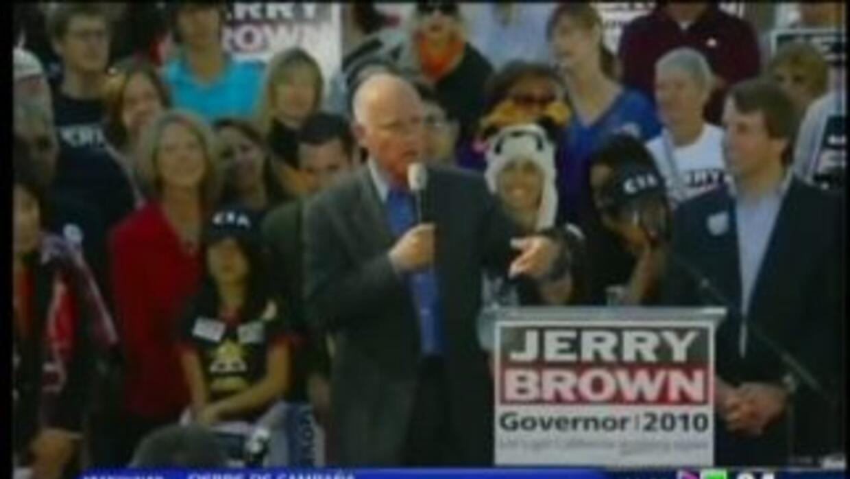 Whitman y Brown en cierre de campaña