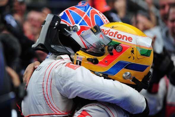 McLaren-Mercedes consiguió su primer 'doblete' desde 2007.