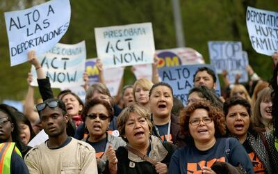 Un grupo de mujeres indocumentadas le pide al presidente Barack Obama qu...