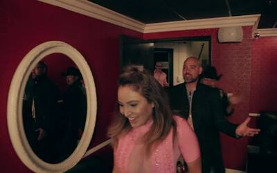 'El Bueno , La Mala y El Feo' enseñaron nuevos pasos de baile a los inte...