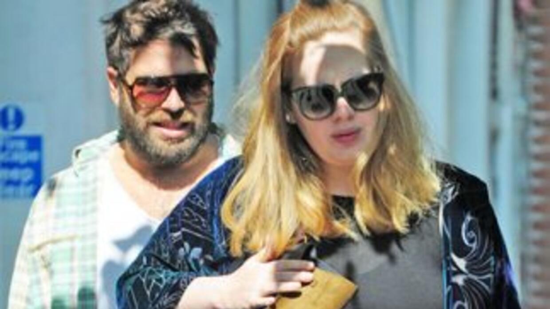 La cantante inglesa negó que tenga problemas amorosos con su novio y pad...