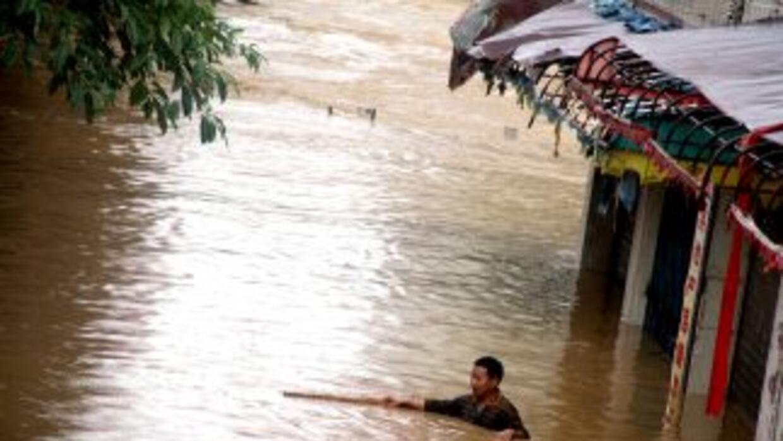 A finales de Septiembre del 2011, el tifón Nesat tocó tierras filipinas,...