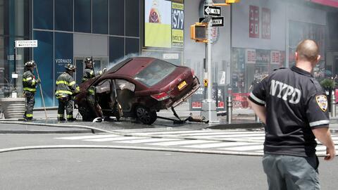 Al menos 10 personas heridas tras ser arrolladas por un vehículo en Time...