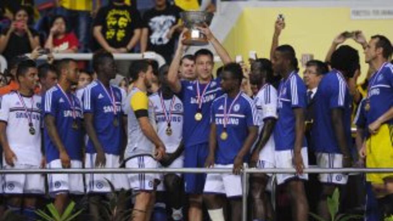 Los 'Blues' ganaron un trofeo en disputa luego de su triunfo ante el com...