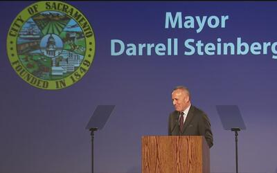 Darrell Steinberg promete apoyo a los inmigrantes indocumentados como el...