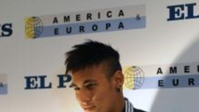 Neyma recibió en la capital uruguaya por segundo año consecutivo el títu...