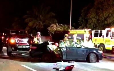 Una mujer quedó atrapada en su vehículo tras un accidente en el suroeste...