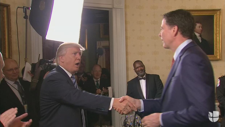 """Trump saluda al director del FBI y dice: """"Se ha vuelto más famoso que yo"""""""