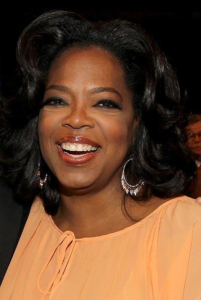 La popular conductora de televisión Oprah Winfrey viene detrás.
