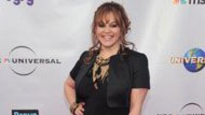 Jennie Rivera se casará el 8 de septiembre 9d601dadd19645ad963c971aba733...