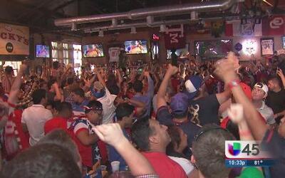 Party in Houston por la victoria de USA