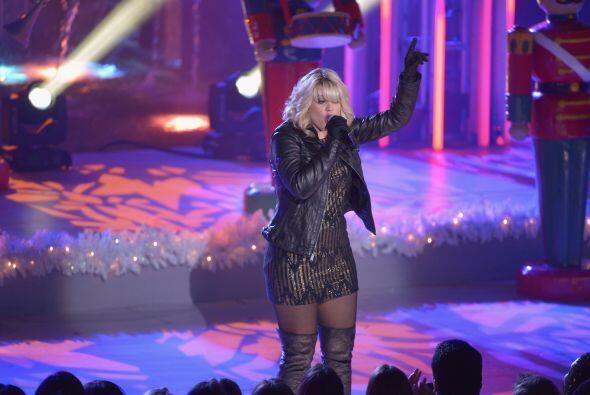 "Lauren Araina, que se define como ""una niña pequeña que canta country"",..."