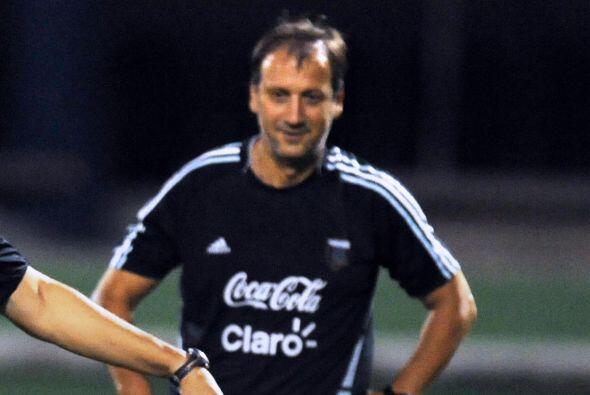 Argentina está dirigida por el ex delantero y goleador Walter Perazzo. L...