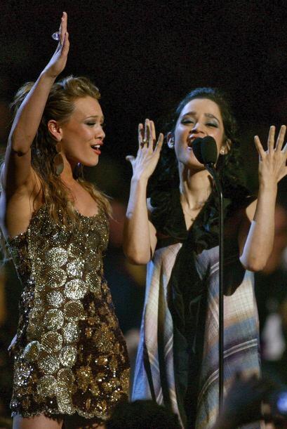 ¡Directo de Houston, Texas, llega la hermosa cantante Hilary Duff! Esta...