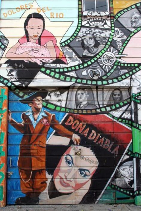 María Félix 'Doña Diabla' es representada en este mural que evoca la épo...