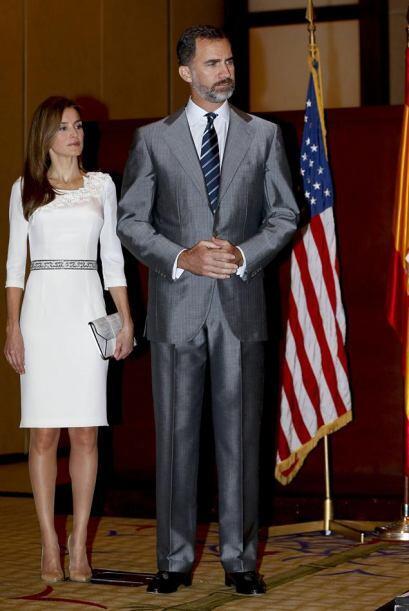 Los príncipes de Asturias, Felipe y Letizia, durante el acto en e...