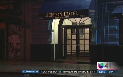 Investigan muerte de un hombre hallado en un hotel de Manhattan