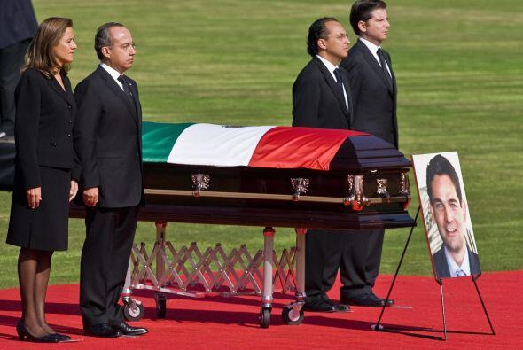 El 4 de noviembre del 2008, el presidente Calderón recibió...