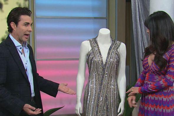 Este hermoso vestido no fue el único que nos presumió, sino un par más.