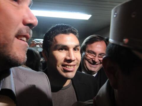 El futbolista paraguayo Salvador Cabañas finalmente rindió...