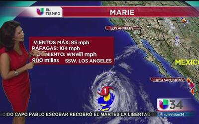 Gigantescas olas por huracán Marie