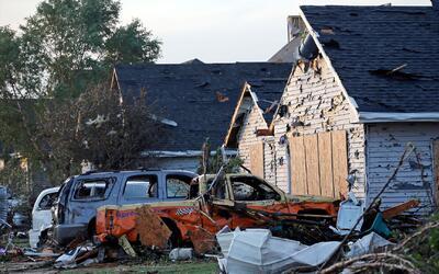 Tormentas y tornados azotan de costa a costa