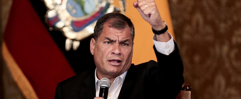 Correa dejará el poder en mayo después de más de una década al frente de...