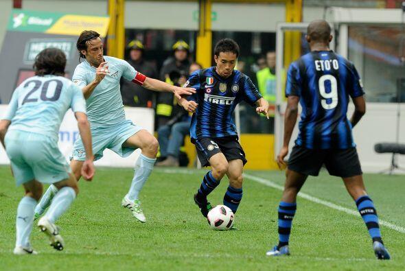 Inter se enfrentó a la Lazio en busca de una chance de alcanzar l...