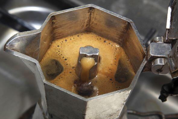 'Espresso' en casa. Las cafeteras tipo italianas son una gran alternativ...