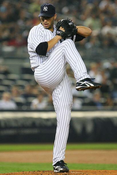 El pitcher zurdo debutó el 29 de abril de 1995 con los Yankees. Acumula...
