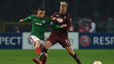 El argentino Maxi López marcó los dos goles del club italiano ante el Bi...