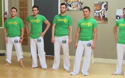 Mira al grupo Calibre 50 en clase de Capoeira