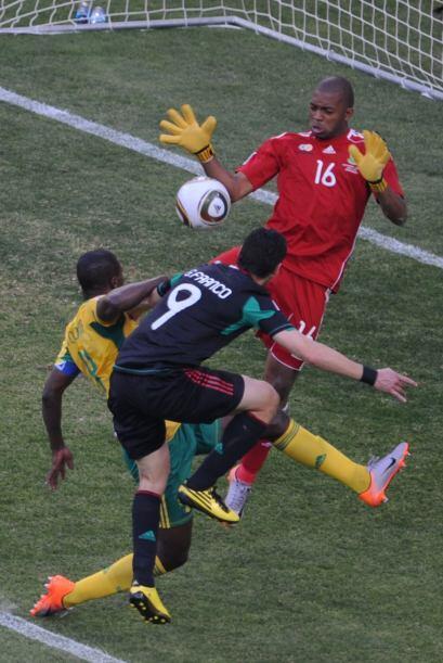 En el Mundial de 2010, México se ubicó en el Grupo A junto...