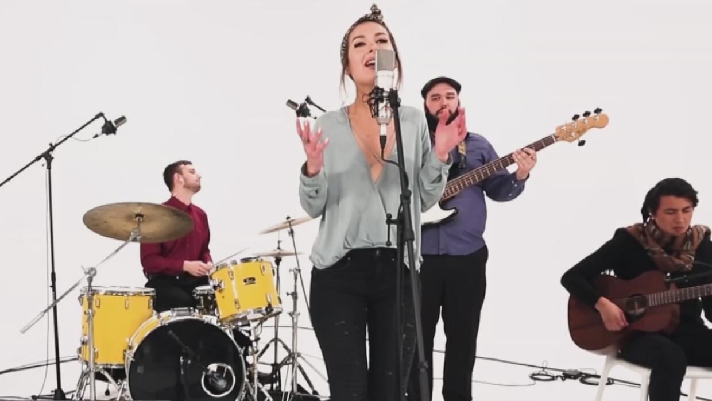 Música de la cantante Nella y otros contenidos exclusivos, disponibles e...