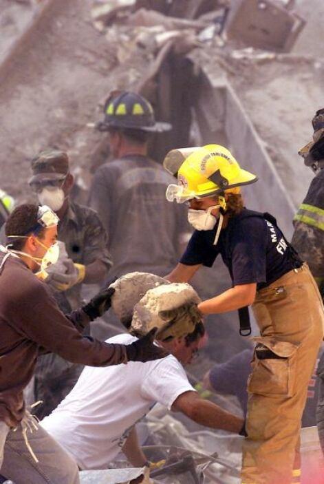 29. Secuelas del 9/11   Muchos de los policías, bomberos y personal médi...