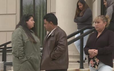 La incertidumbre embarga a los familiares de los cuatro mexicanos asesin...
