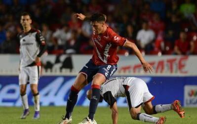 Atlas y Veracruz disputan en el Estadio Jalisco su juego de la fecha tre...