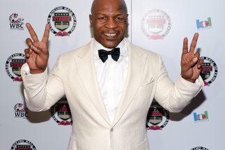 Mike Tyson cuando fue inducido al Salón de la Fama del Boxeo en Nevada,...