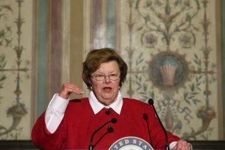 """La senadora demócrata Barbara Mikulski, afirmó: """"Este acuerdo muestra al..."""