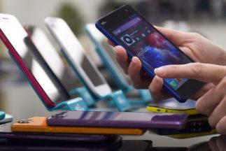 Los celulares inteligentes, cada vez llegan a más manos.
