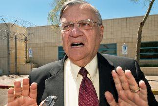 El alguacil del condado Maricopa, Joe Arpaio, recibió una advertencia de...