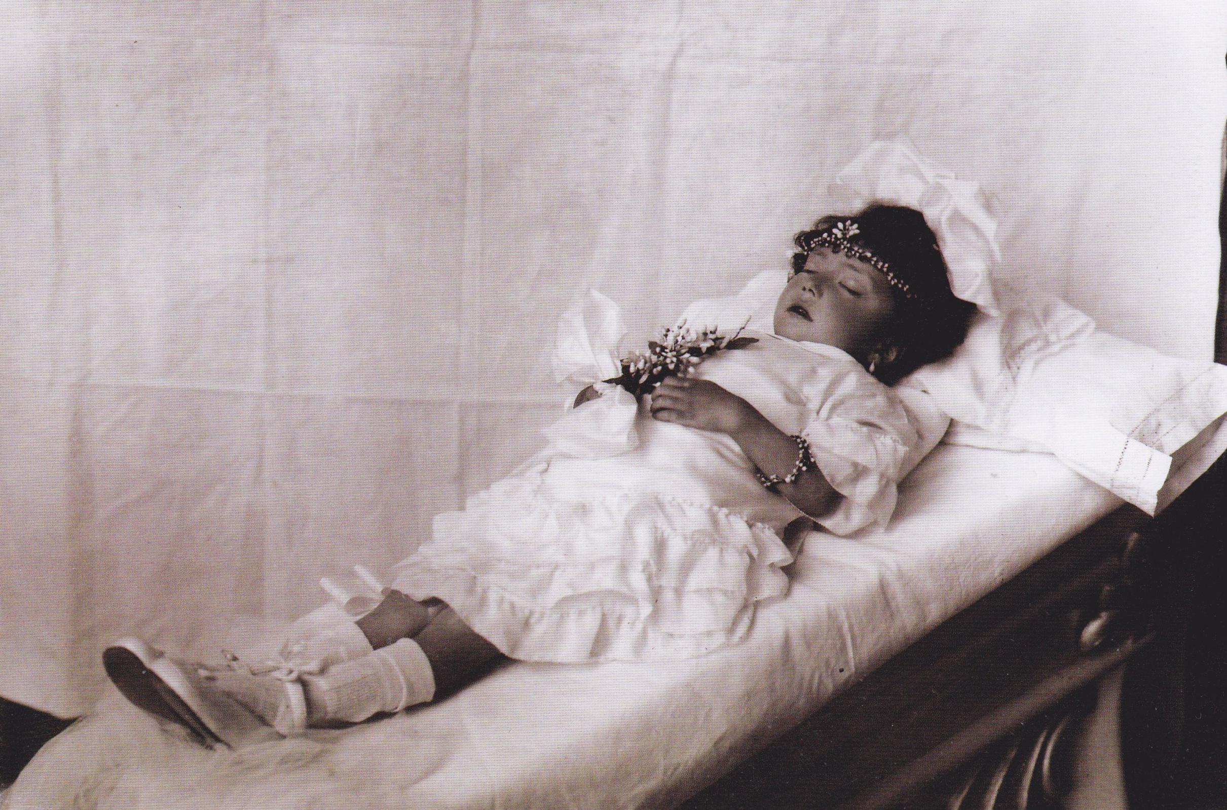Una tradición a punto de morir: fotografiar a muertos en Bolivia ...
